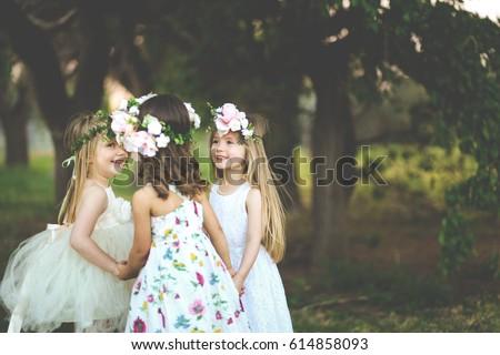 女の子 · 庭園 · 茶 · バラ · 女性 · 赤ちゃん - ストックフォト © ElenaBatkova