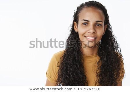 Verlegen brunette vrouw natuurlijke pose dame Stockfoto © konradbak