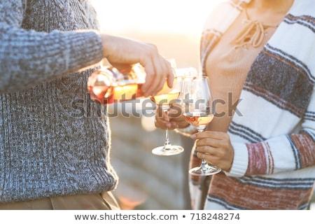 Zdjęcia stock: Para · pitnej · wzrosła · wina · romantyczny