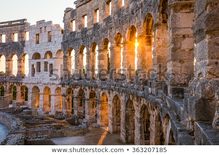 Bouwkundig details Kroatië architectuur Romeinse amfitheater Stockfoto © Kayco