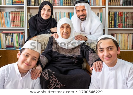 Arab oude vrouwen make senior moslim Stockfoto © toyotoyo