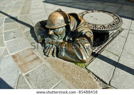 Bronze escultura homem trabalhar Bratislava Eslováquia Foto stock © phbcz