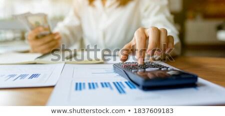 Business financiering boekhouding bancaire zakenman tablet Stockfoto © Freedomz