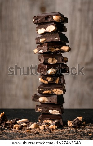 Piramit süt koyu çikolata beyaz çikolata şeker Stok fotoğraf © zhekos