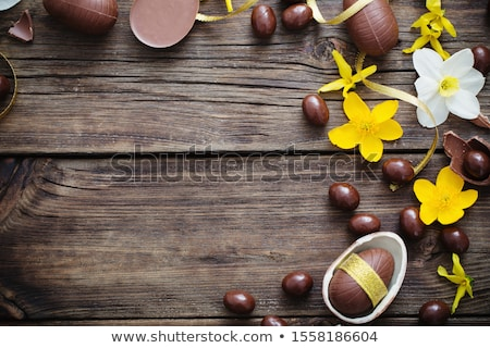 paaseieren · narcissen · bloemen · oude · houten · Pasen - stockfoto © zerbor