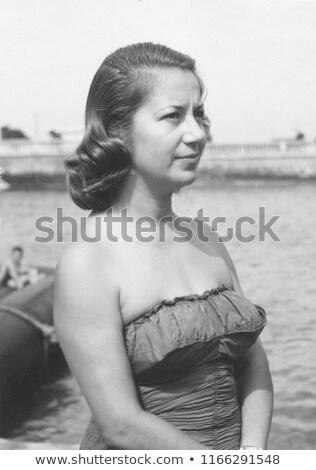 Portret wesoły młoda kobieta strój kąpielowy odizolowany różowy Zdjęcia stock © deandrobot