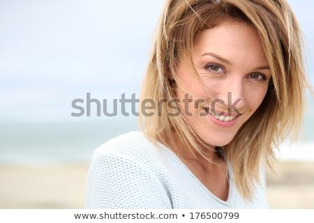 Csábító szőke nő izolált fekete lány Stock fotó © grafvision