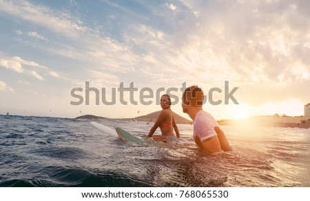 deux · Homme · adolescents · plage · soleil · été - photo stock © is2