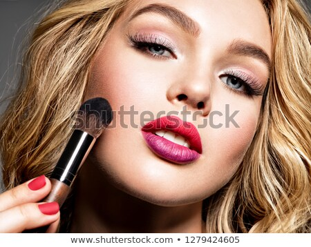 menina · violeta · unhas · retrato · belo · morena - foto stock © bartekwardziak