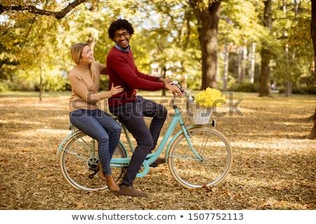 casal · parque · feliz · jovem · verão · dia - foto stock © boggy