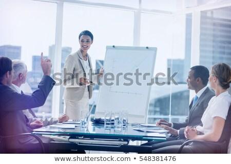 Zijaanzicht halfbloed zakenvrouw vragen vraag seminar Stockfoto © wavebreak_media