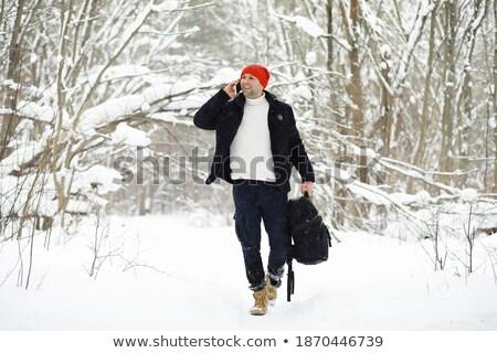 winter · wandelen · actief · paar · buitenshuis · sneeuw - stockfoto © vapi