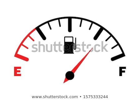 燃料計 実例 ゲージ 燃料 矢印 フル ストックフォト © Lom