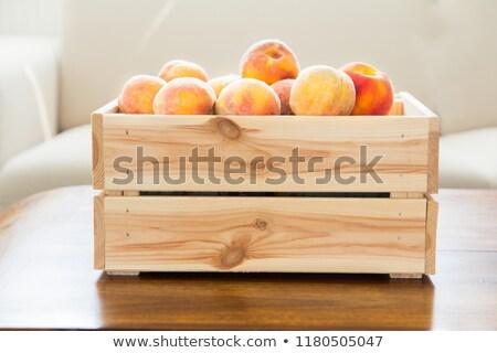 Pêssego madeira poucos frescura frutas velho Foto stock © cosma