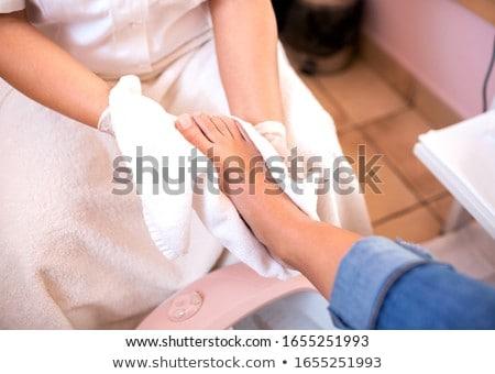 Lavaggio clienti piedi salone fiori bellezza Foto d'archivio © wavebreak_media