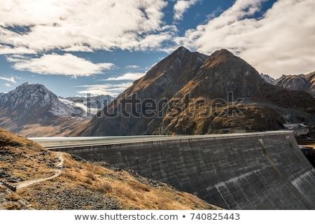 Gravitáció építkezés munka tájkép hegy tó Stock fotó © michaklootwijk