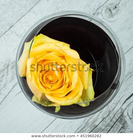 Sarı gül şarap kadehi güzel mutfak Stok fotoğraf © rcarner