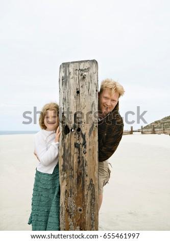 Homme fille sur derrière post Photo stock © IS2