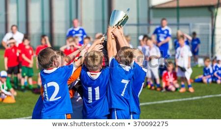 Dzieci zwycięski grupy szczęśliwy chłopców Zdjęcia stock © matimix