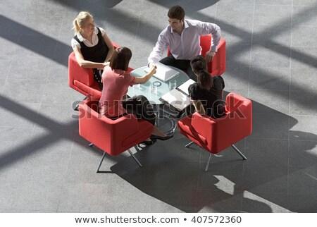 Equipo de negocios espera lobby ordenador oficina Pareja Foto stock © photography33