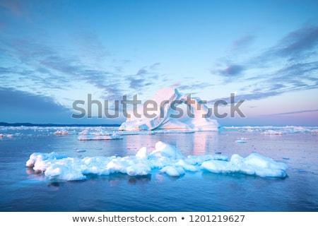 Lyuk jéghegy híres vmi mellett város világ Stock fotó © Imagix