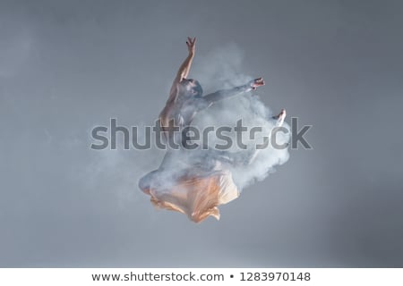 jonge · mooie · danser · beige · jurk · dansen - stockfoto © master1305