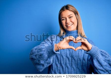 szeretet · kezek · készít · forma · szív · család - stock fotó © wavebreak_media