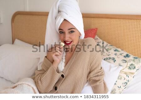美少女 着用 セーター 赤い口紅 座って ホーム ストックフォト © deandrobot