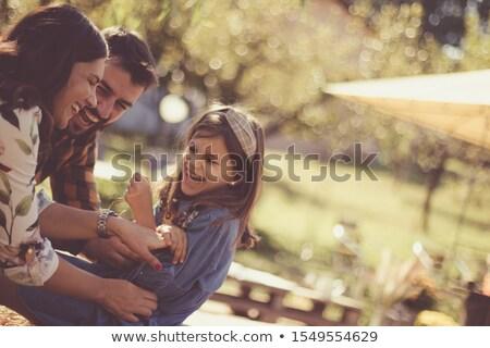 Man vergadering hooiberg gras natuur vak Stockfoto © IS2