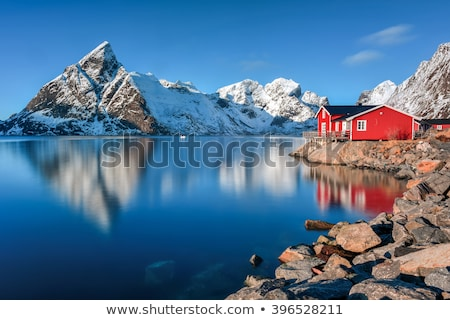 Czerwony domów łodzi Norwegia góry chmury Zdjęcia stock © compuinfoto