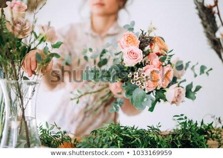 Buquê de casamento rosas em pé janela sol flor Foto stock © ruslanshramko