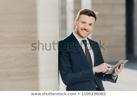 Experiente masculino formal roupa digital comprimido Foto stock © vkstudio