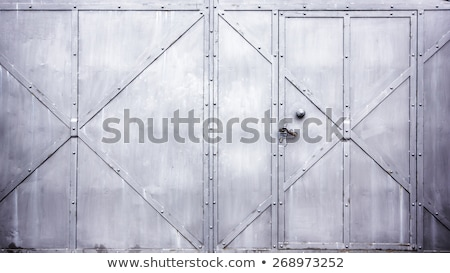 Detay eski Metal kapı yüz Bina Stok fotoğraf © elxeneize