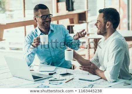 ernstig · zakenman · drinken · koffie · geconcentreerde · jonge - stockfoto © deandrobot