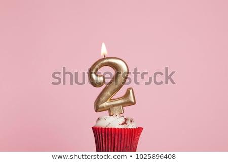 お誕生日おめでとうございます · 2 · 年 · キャンドル · 文字 · 人形 - ストックフォト © compuinfoto