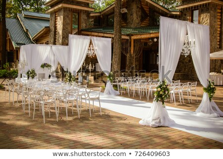 Свадебная церемония украшение красный белые цветы комнату Сток-фото © KMWPhotography