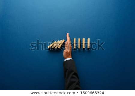 jóvenes · empresario · negocios · riesgo · incertidumbre · hombre - foto stock © stokkete