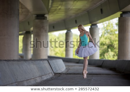 bevallig · ballerina · dans · beton · brug · achtergrond - stockfoto © bezikus