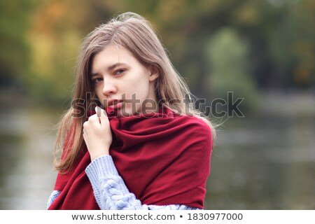 молодые Привлекательная женщина волос позируют озеро Сток-фото © Lopolo