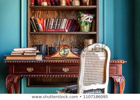 Eski tablo sandalye ayna ahşap kibir Stok fotoğraf © smuki