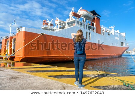 Bekleme tekne güzel bir kadın bakıyor dalgalar moda Stok fotoğraf © eleaner