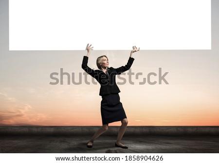 деловая женщина что-то таблице белый женщину Сток-фото © wavebreak_media