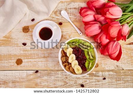 banán · fa · asztal · citromsárga · asztal · fény · fa - stock fotó © illia