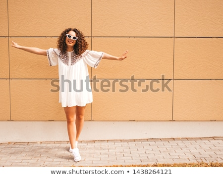 Tam uzunlukta güzel seksi kadın poz beyaz kadın Stok fotoğraf © stepstock