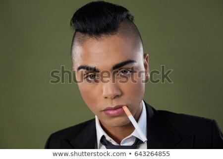 肖像 トランスジェンダー 女性 たばこ 口 電話 ストックフォト © wavebreak_media