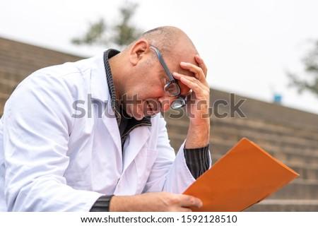 Desesperado dentista cara homem cabelo boca Foto stock © photography33