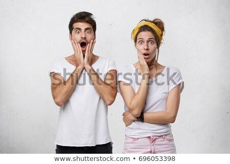 kettő · fiatal · női · barátok · suttog · pletyka - stock fotó © deandrobot