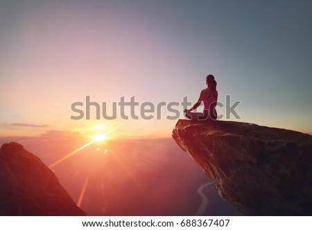 Stockfoto: Yoga · natuur · asian · vrouw · bidden · lotus