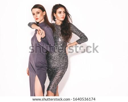 красивой · женщину · букет · позируют · подвенечное · платье - Сток-фото © carlodapino