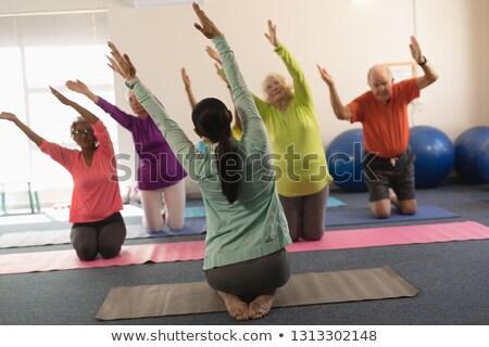 Hátsó nézet fiatal női edző koncentrált idős Stock fotó © wavebreak_media